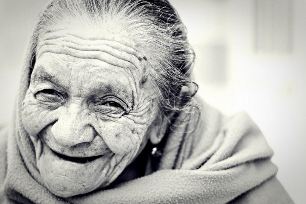La felicità per le donne inizia a 85 anni