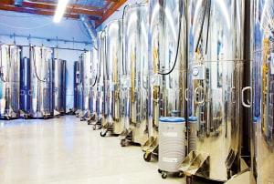 I cilindri che mantengono corpi umani ad una temperatura estremamente bassa.