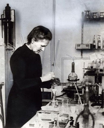 curie_lab_photo_1921