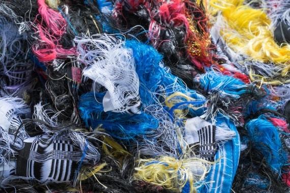 abbigliamento, industria tessile, abiti, poliestere, fibre sintetiche, fibre naturali, inquinamento