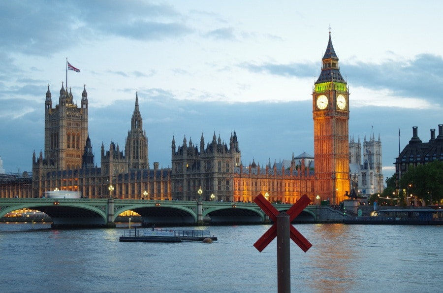 london-by-night-735085_1920