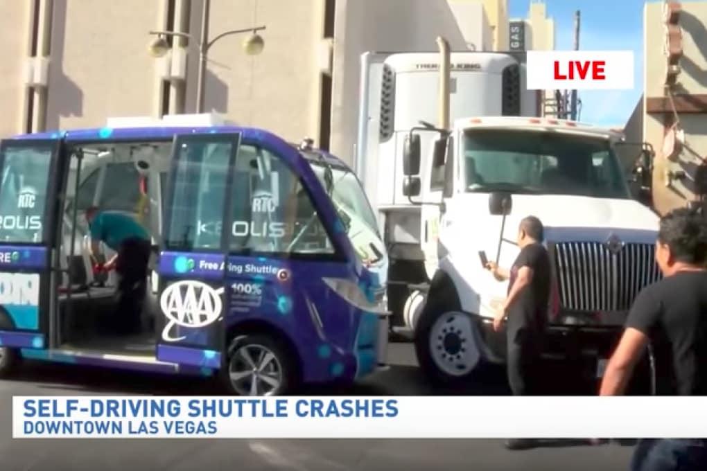 Il primo incidente del bus autonomo