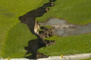biggest-sinkhole-new-zealand-1