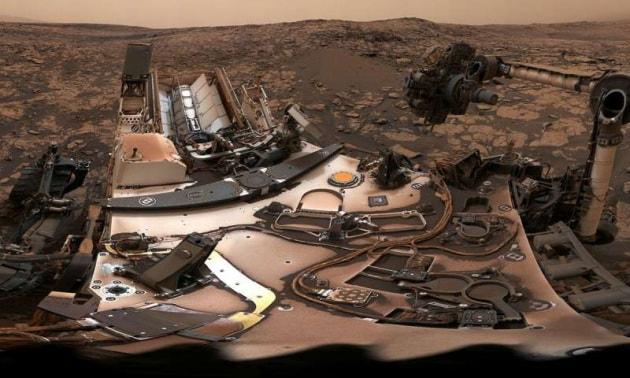Da Curiosity: un nuovo campione di roccia e una cartolina