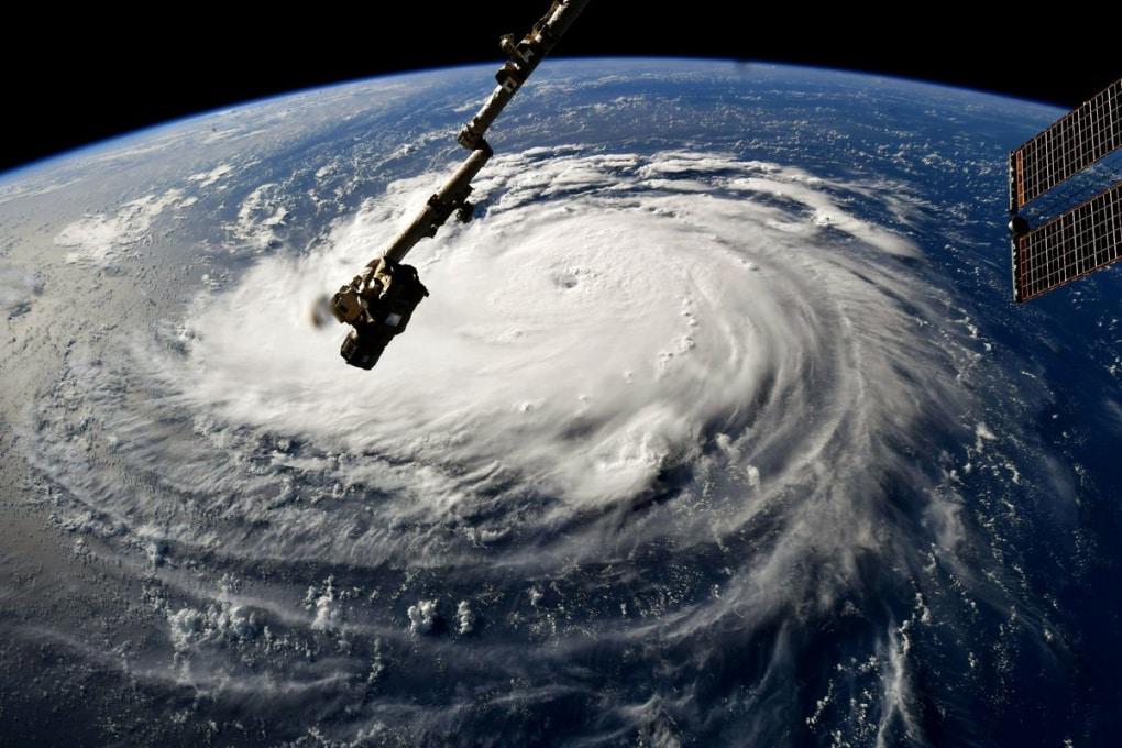 Lungo i Tropici ci sono almeno 7 uragani: è normale?