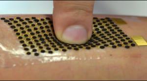 Le microbatterie possono piegarsi per adattarsi al corpo umano