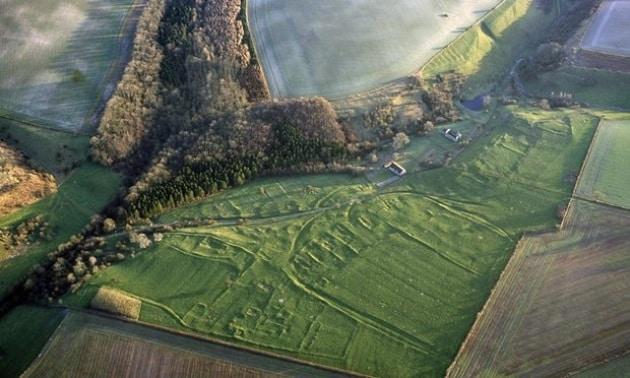 Medioevo inglese: cadaveri profanati per combattere maledizioni e pestilenze