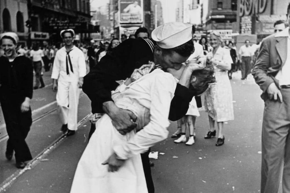 La vera storia della foto del bacio a Times Square