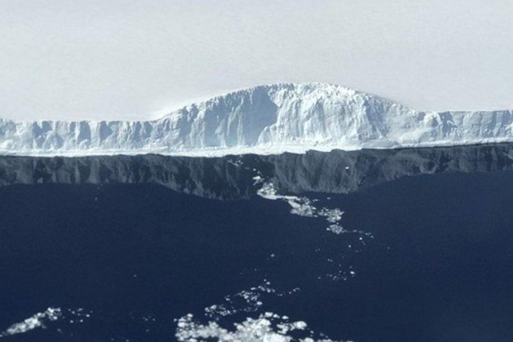 Le foto del super iceberg staccatosi in Antartide