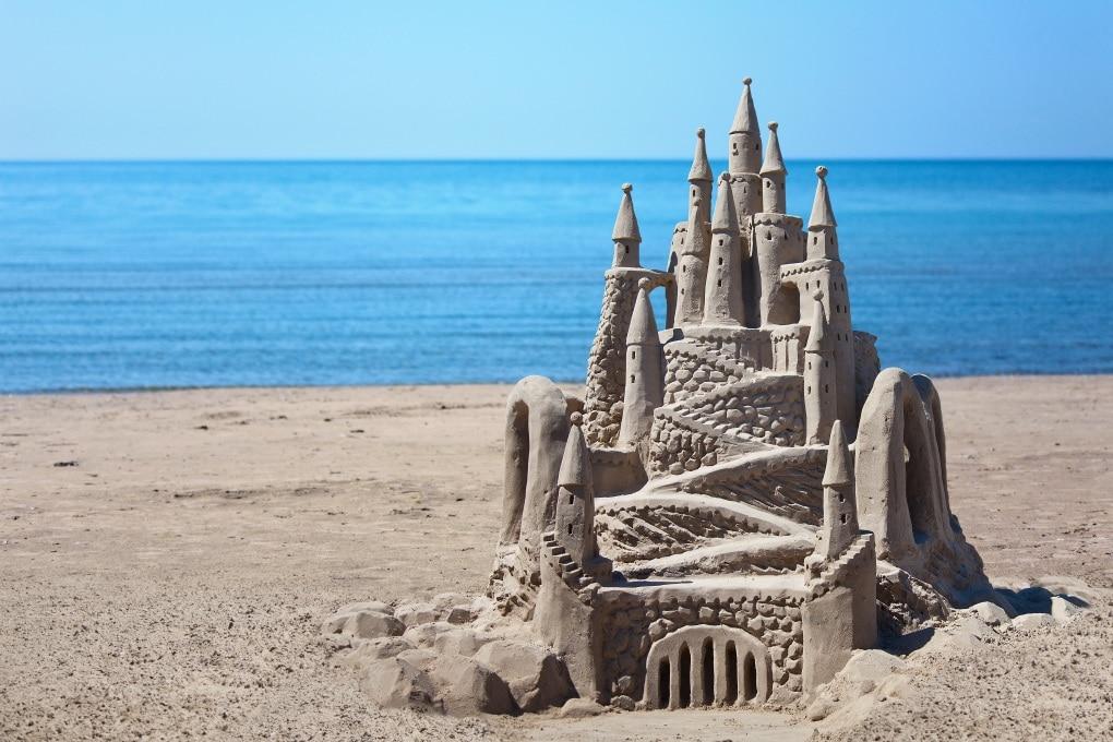 Il castello di sabbia perfetto (secondo la scienza)