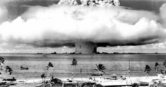 Un'esplosione atomica nell'Oceano Pacifico