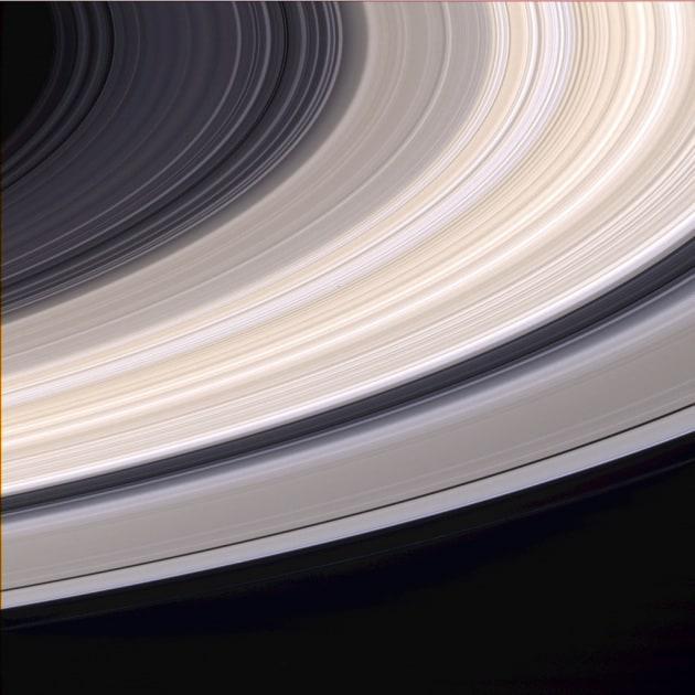 Finale di missione: Cassini si tuffa tra gli anelli di Saturno
