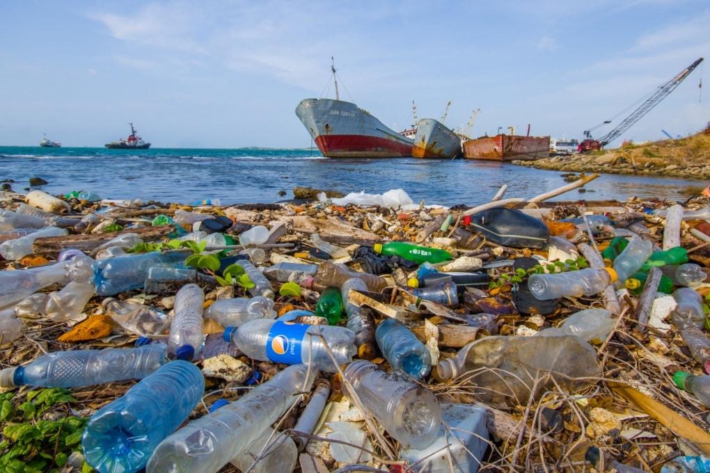 Alla ricerca della plastica perduta nei mari (con un colorante)