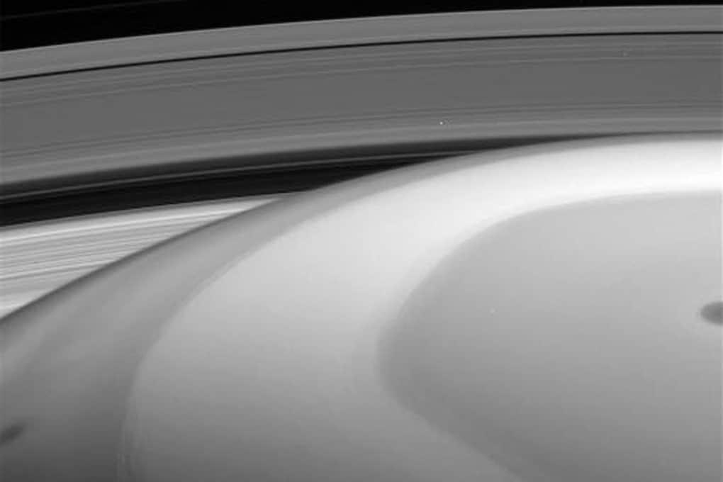 Cassini e Saturno, le nuove foto da