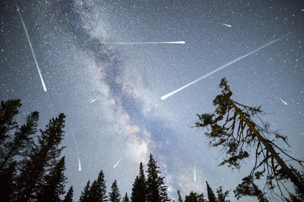 Le meteore esplodono dall'interno