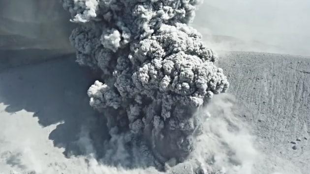 Un'eruzione vulcanica come non l'avete mai vista