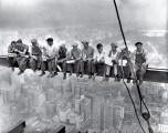 Pranzo sul grattacielo: i segreti di una foto cult