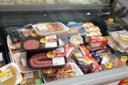 Spreco alimentare: che cosa si fa in altri Paesi e online