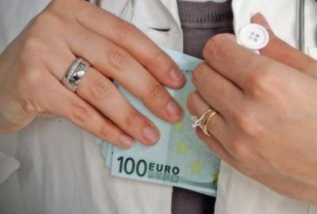 Sanità: Censis, 13,5 mln italiani confessano di aver saltato liste d'attesa