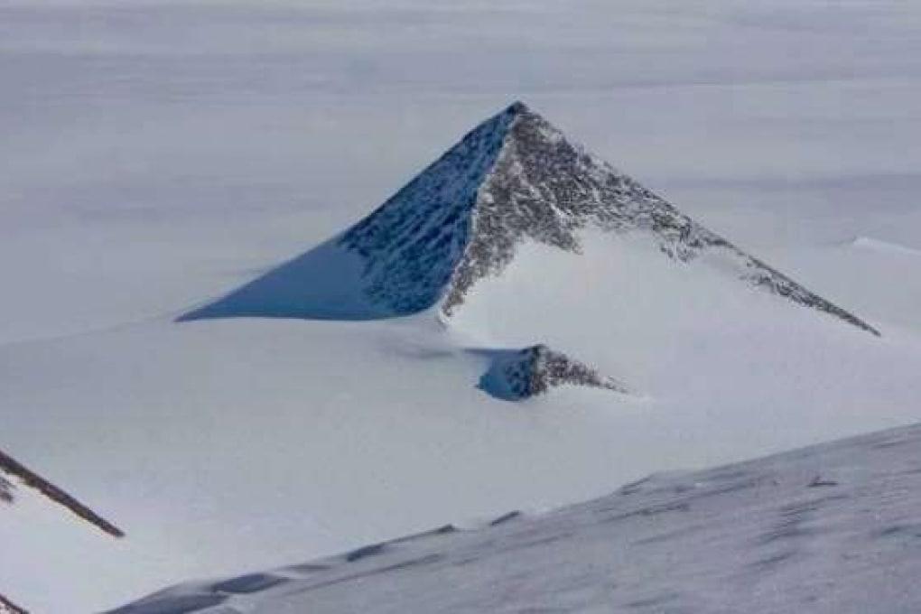 Nunatak: la piramide in Antartide