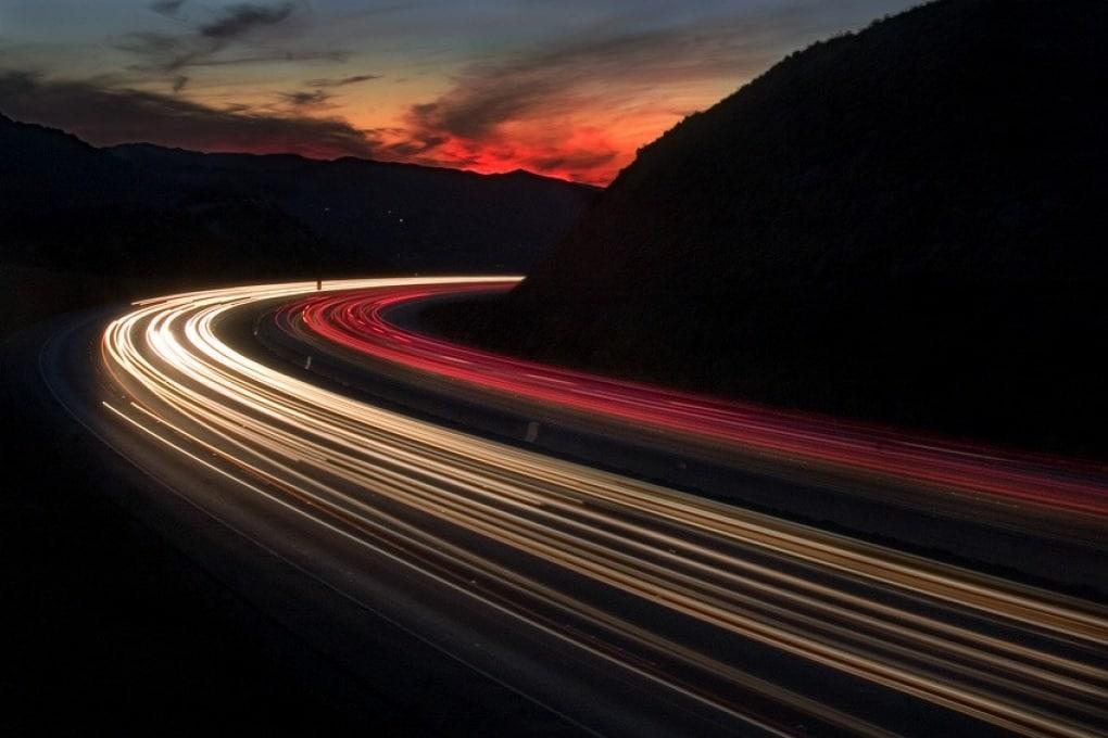 Velocità della luce, perché non è possibile superarla in nessun caso?