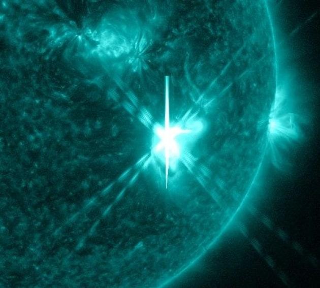 Una colossale eruzione solare