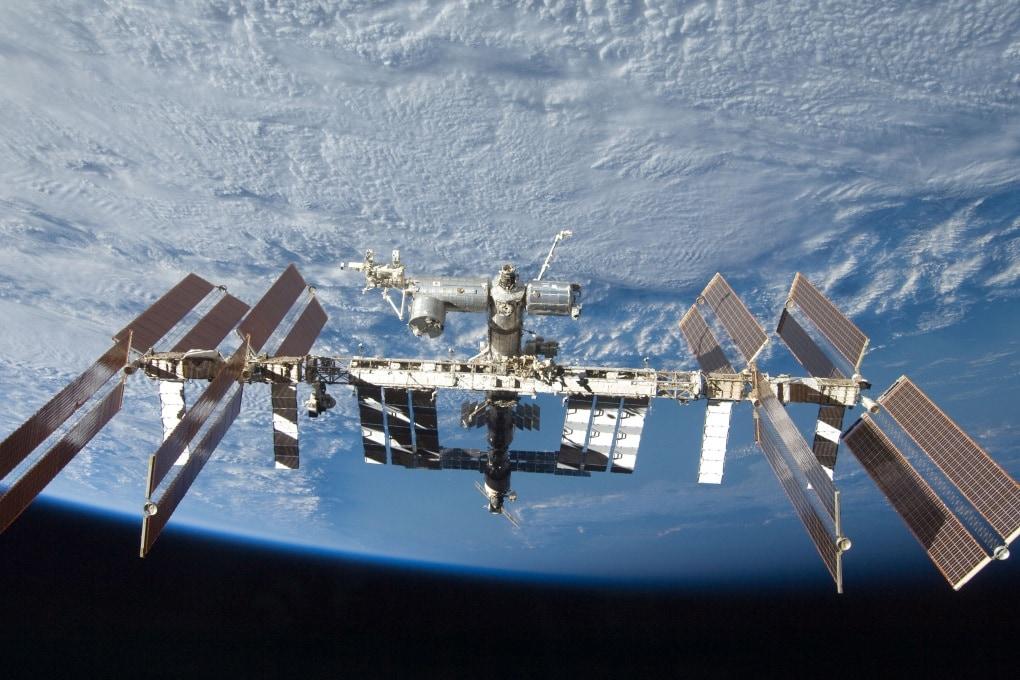 Un satellite spia attorno alla Stazione Spaziale Internazionale