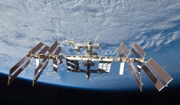 Una piccola perdita (subito riparata) sulla ISS