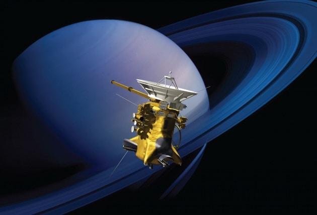 Le fotografie ravvicinate delle eliche degli anelli di Saturno