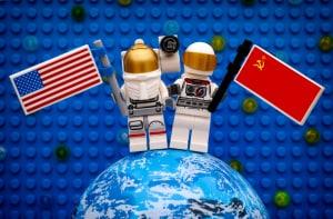 La rivalità tra Stati Uniti e URSS durante la Guerra Fredda si spostò anche nello spazio.