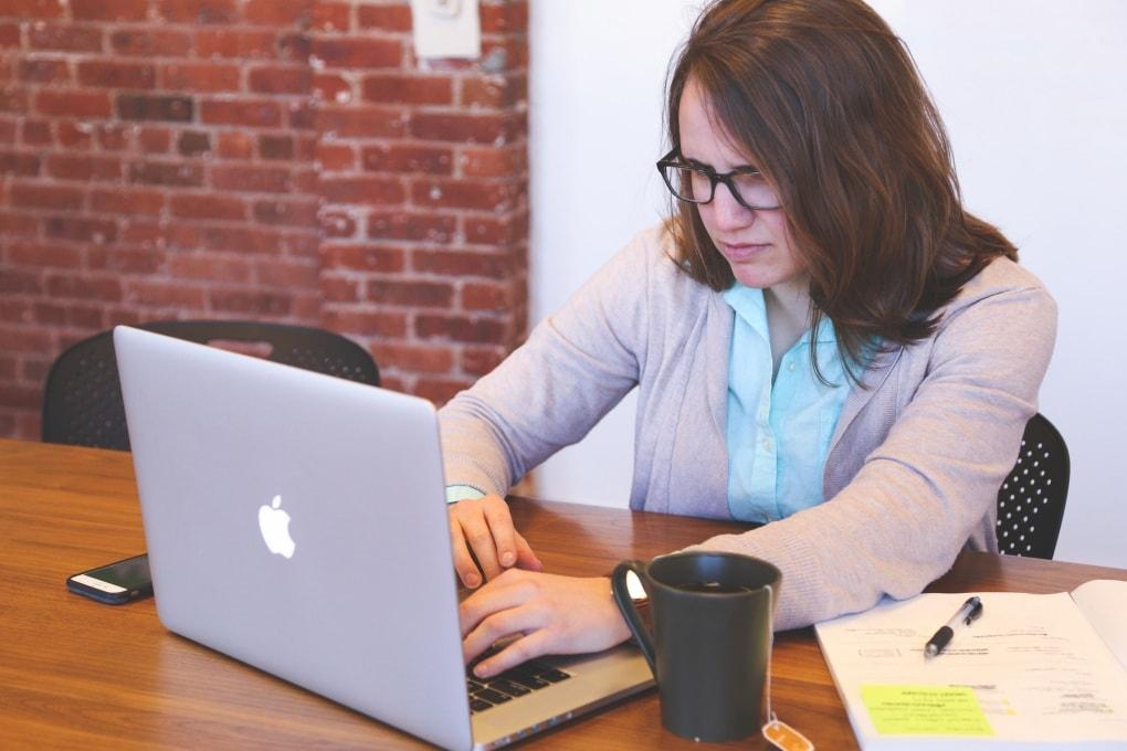 L'email ti stressa? La scienza spiega perchè