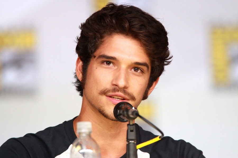 1280px-tyler_posey_9347805122