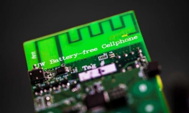 Il primo cellulare senza batteria