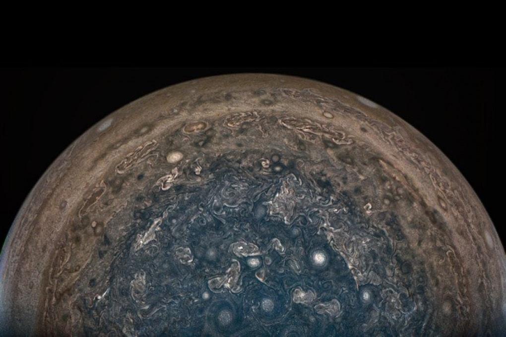 Nuove ipotesi dalla sonda Juno: Giove non è come lo pensavamo