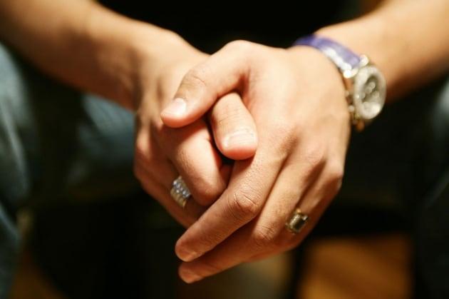 Cosa c'è sotto le unghie?