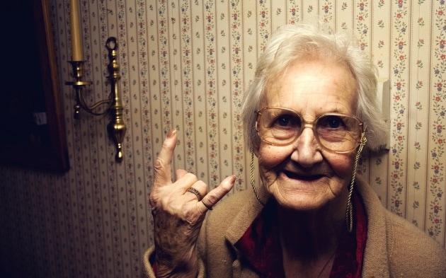 granny-wallpaper-1
