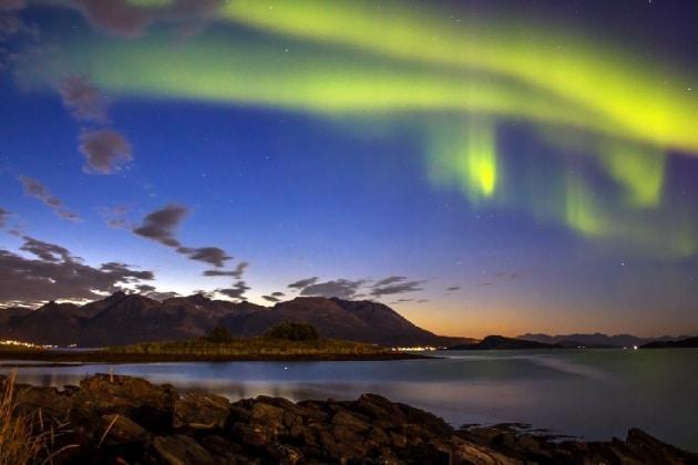Un tripudio di aurore dopo l'eruzione solare