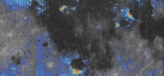 Le aree colorate indicano un contenuto di acqua elevato in confronto al terreno circostante. I color
