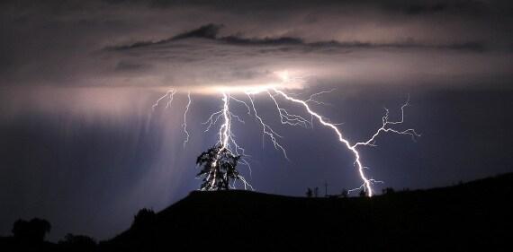 fulmini, saette, fenomeni atmosferici, clima, celle temporalesche, temporali, meteo