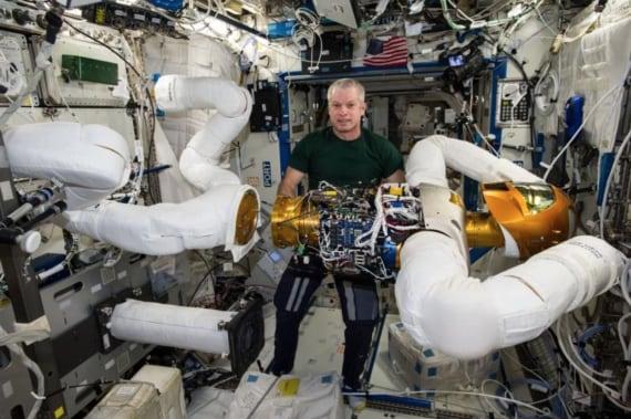 automi, robot, intelligenza artificiale, Stazione spaziale internazionale (ISS), Nasa, Robonaut