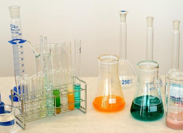 laboratory-1009178_960_720