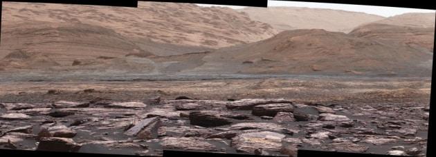 Curiosity fotografa rocce viola sul Pianeta Rosso