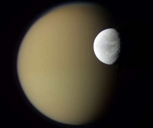Anche Dione nasconde un oceano sotterraneo