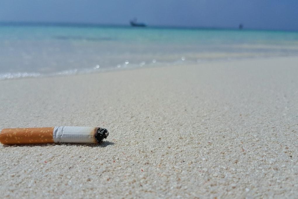 I mozziconi di sigaretta sono i veri dominatori dei mari