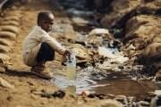 acqua-contaminata-in-africa