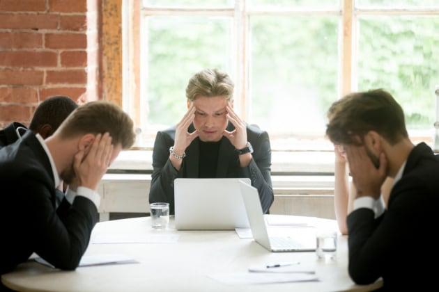 Stare seduti per troppo tempo danneggia il cervello