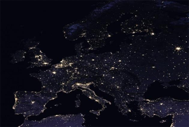 NASA vi mostra la Terra di notte come non l'avete mai vista
