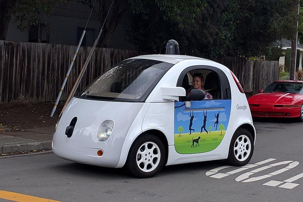 Prime risse tra umani e vetture autonome