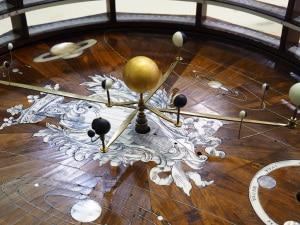 Sistema Solare, astrocronologia, teoria del caos, effetto farfalla, orbita dei pianeti, Luna