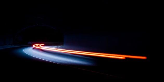 Cosa vedremmo se potessimo andare alla velocità della luce?